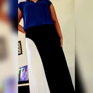 Size M black and white maxi skirt like new